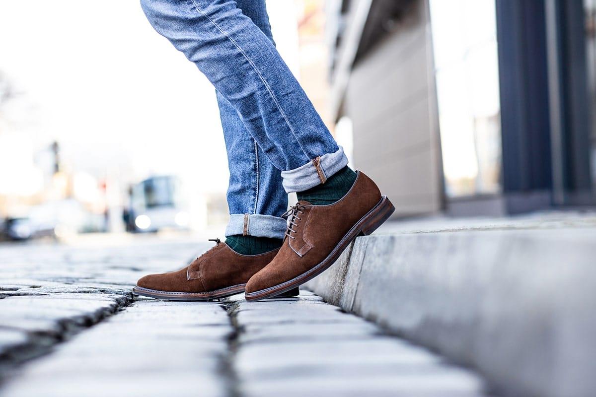 Comment nettoyer et entretenir les chaussures en daim?