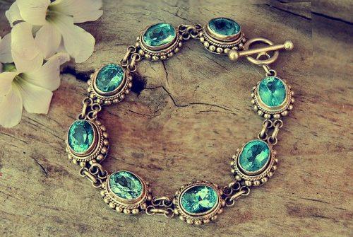 Comment choisir des bijoux en fonction de sa morphologie?